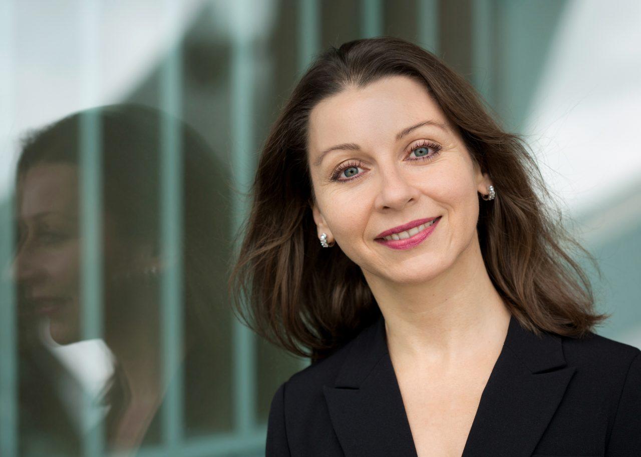 Frau Zwingli, Headhunter in Basel / Schweiz für Pharma & Chemie